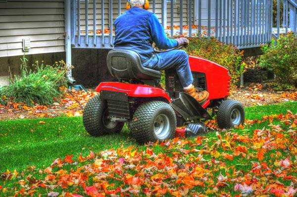 How to Mow a Lawn with a Riding Mower